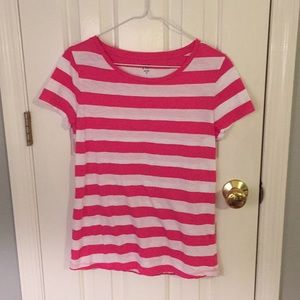 Like new Crown & Ivy pink striped crew neck tshirt